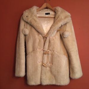 TOPSHOP faux fur toggle coat huge hood! Size 4